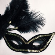 masque vénitien, loup à plumes, loup vénitien, masque vénitien, loup carnaval de venise, accessoire masque carnaval, masque vénitien pas cher, masque de carnaval, loups carnaval de venise Loup Cancan, Noir