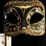 masque vénitien, loup vénitien, masque carnaval de venise, véritable masque vénitien, accessoire carnaval de venise, déguisement carnaval de venise, loup vénitien fait main, loup avec bâton, masque fait à la main Vénitien, Colombina Stick, Noir