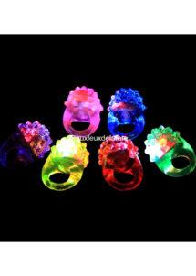 bague fluo, accessoires fluos déguisement, accessoire soirée fluo déguisement, accessoire déguisement fluo, bagues lumineuses fluos, bague clignotante led déguisement, bague led clignotant déguisement, Bague Lumineuse Fluo, à LEDs