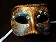 masque vénitien, loup vénitien, masque carnaval de venise, véritable masque vénitien, accessoire carnaval de venise, déguisement carnaval de venise, loup vénitien fait main Vénitien, Civette Luxe Fleurs, Bleu et Or