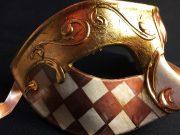 masque vénitien, loup vénitien déguisement, masque venitien homme, acheter masque vénitien paris, masque vénitien femme, boutique masque vénitien paris, masque vénitien fait main Vénitien, Civette Damier, Marron et Or