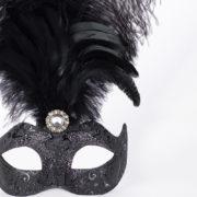 masque vénitien, loup vénitien, masque carnaval de venise, masque vénitien déguisement, accessoire déguisement carnaval de venise, déguisement carnaval de venise, masque vénitien fait main, masque plumes Vénitien, Colombina Stella à Plumes, Noir Dark