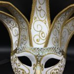 masque vénitien, loup vénitien, masque carnaval de venise, véritable masque vénitien, accessoire carnaval de venise, déguisement carnaval de venise, loup vénitien fait main, masque joker vénitien Vénitien, Joker Jolly Brillant, Blanc et Or