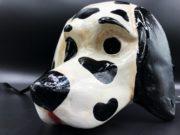 masque de dalmatien à la main, masque de chien vénitien, masque de chien en papier mâché, masque en papier mâché, masque de chien luxe Vénitien, Chien Dalmatien, Noir et Blanc
