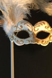 loup vénitien, masque vénitien, loup vénitien fait à la main, masque vénitien haute qualité, masque pour carnaval de venise, loup vénitien sur bâton, masque vénitien sur bâton Vénitien Signorina Baby, sur Bâton, Blanc et Or