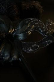 loup vénitien, masque vénitien, loup vénitien fait à la main, masque vénitien haute qualité, masque pour carnaval de venise, loup vénitien sur bâton, masque vénitien sur bâton Vénitien Signorina Baby, sur Bâton, Bouquet Noir