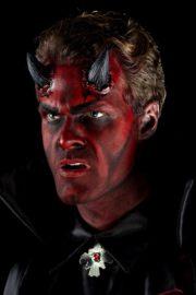 cornes de diable en latex, maquillage diable halloween, effets spéciaux halloween, cornes de diable, déguisement de diable Cornes de Diable en Latex Noir